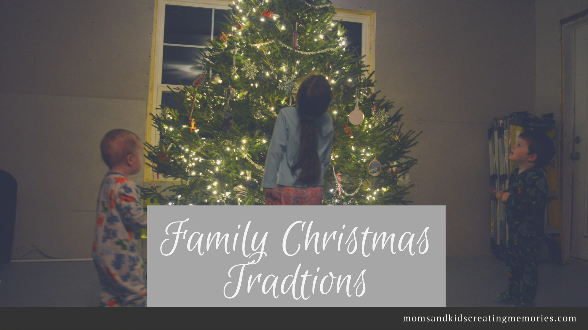 Family Christmas Traditions - Traditions are something that I love to have now that we have kids and I am sharing some of ours along with a freebie that gives you some ideas of things to do with your family this Christmas to create some memories.